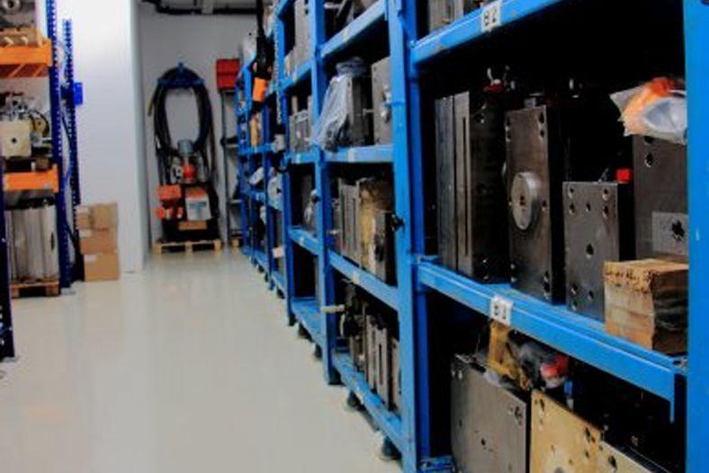 Metall- und Plastikwaren GmbH - formenlager